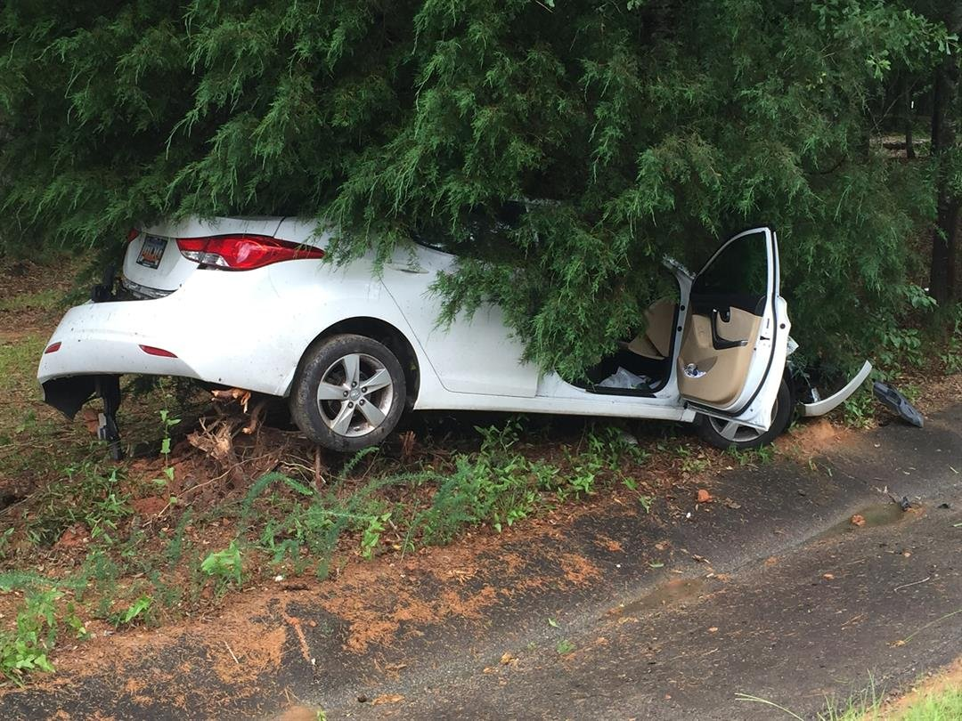 singles in accident Russell county officials are on the scene of an accident on 177 bradley road in fort mitchell.