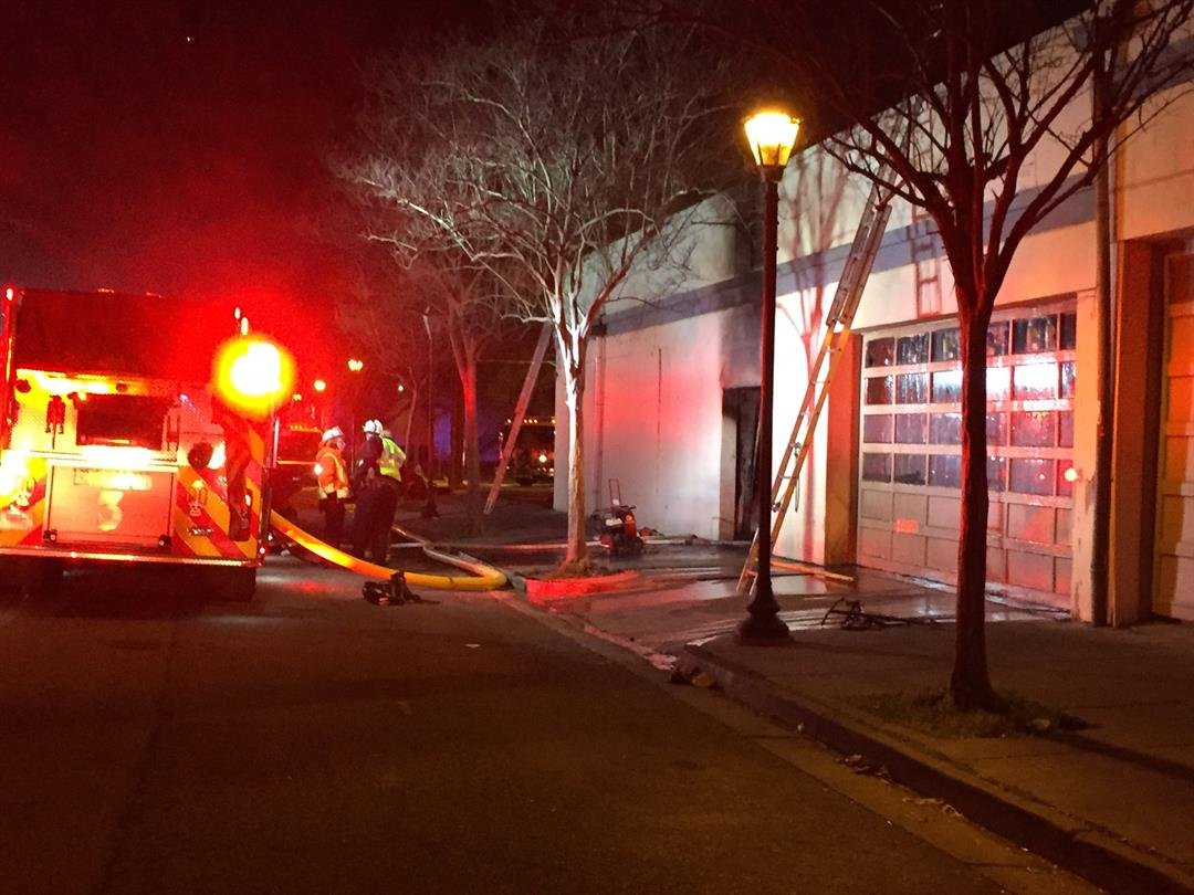 Fire crews at 1102 Downtown Bar & Grill 3/3/17 (WFXG)