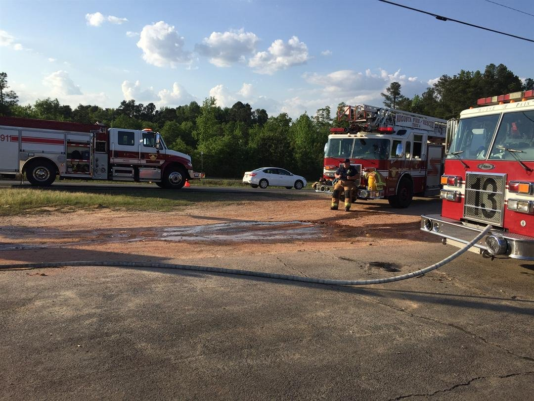 Tractor trailer fire on Deans Bridge Rd. 4/21/17 (WFXG)