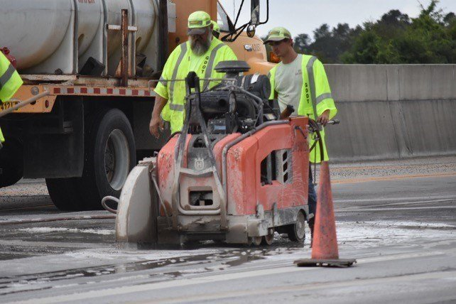 GA DOT workers (source: GA DOT)
