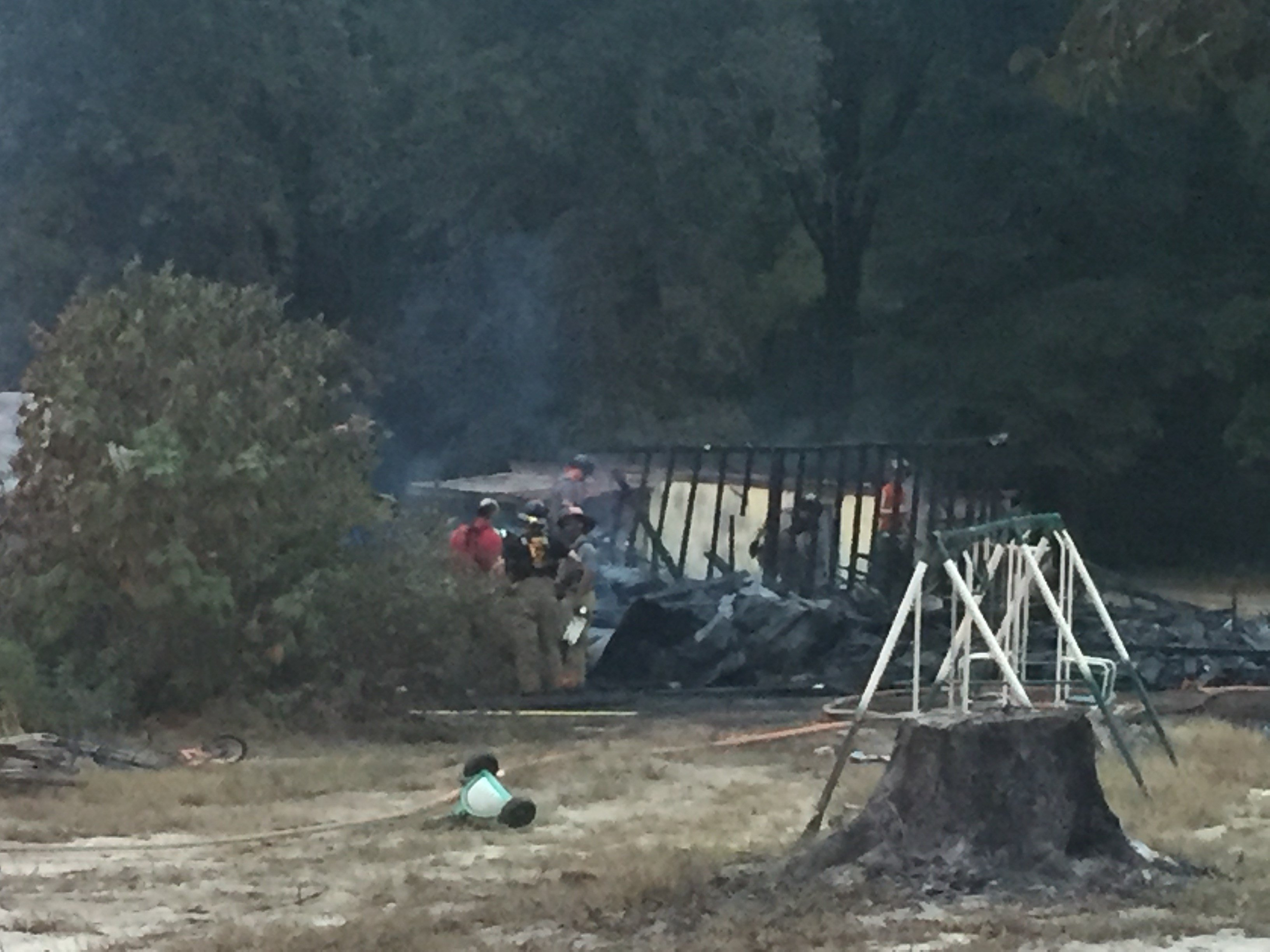 Fire at mobile home in Jackson 10/6/17 (WFXG)