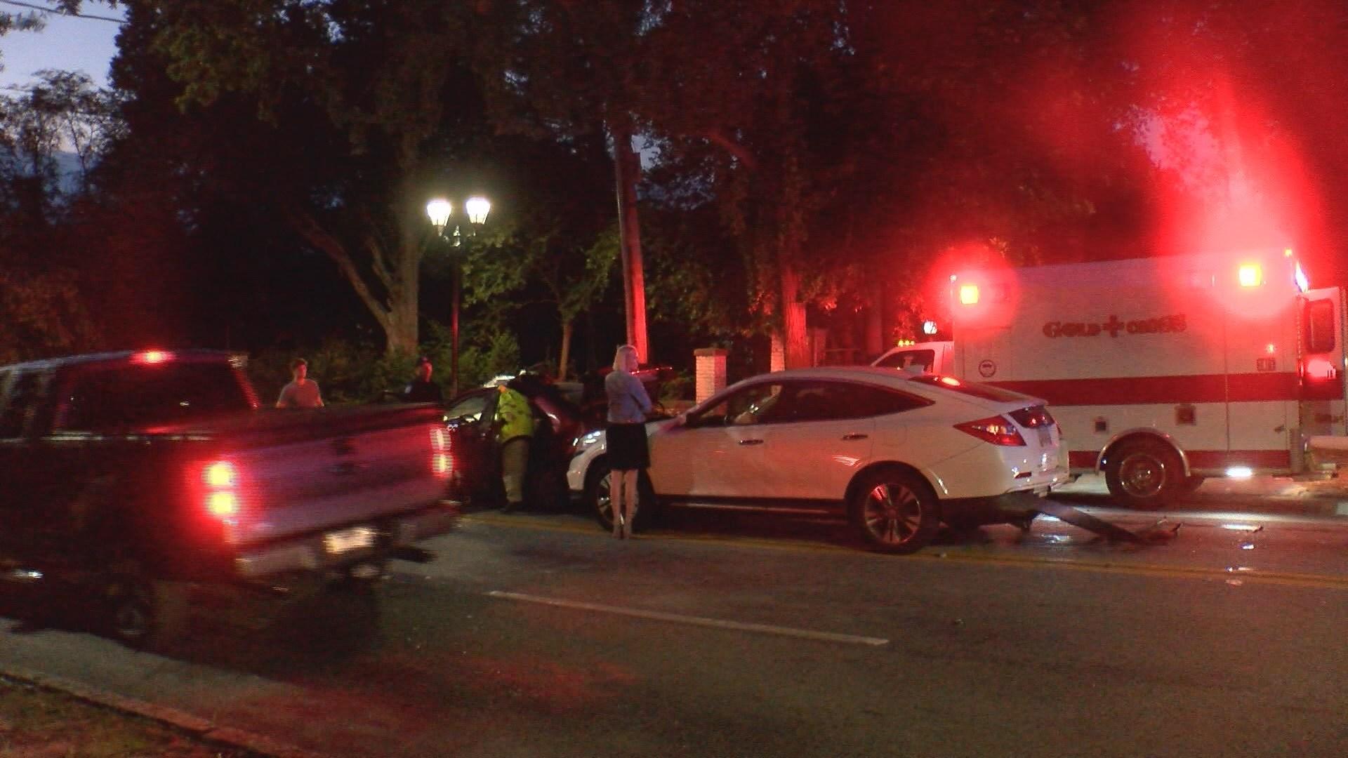 Car crash on Walton Way (wfxg)