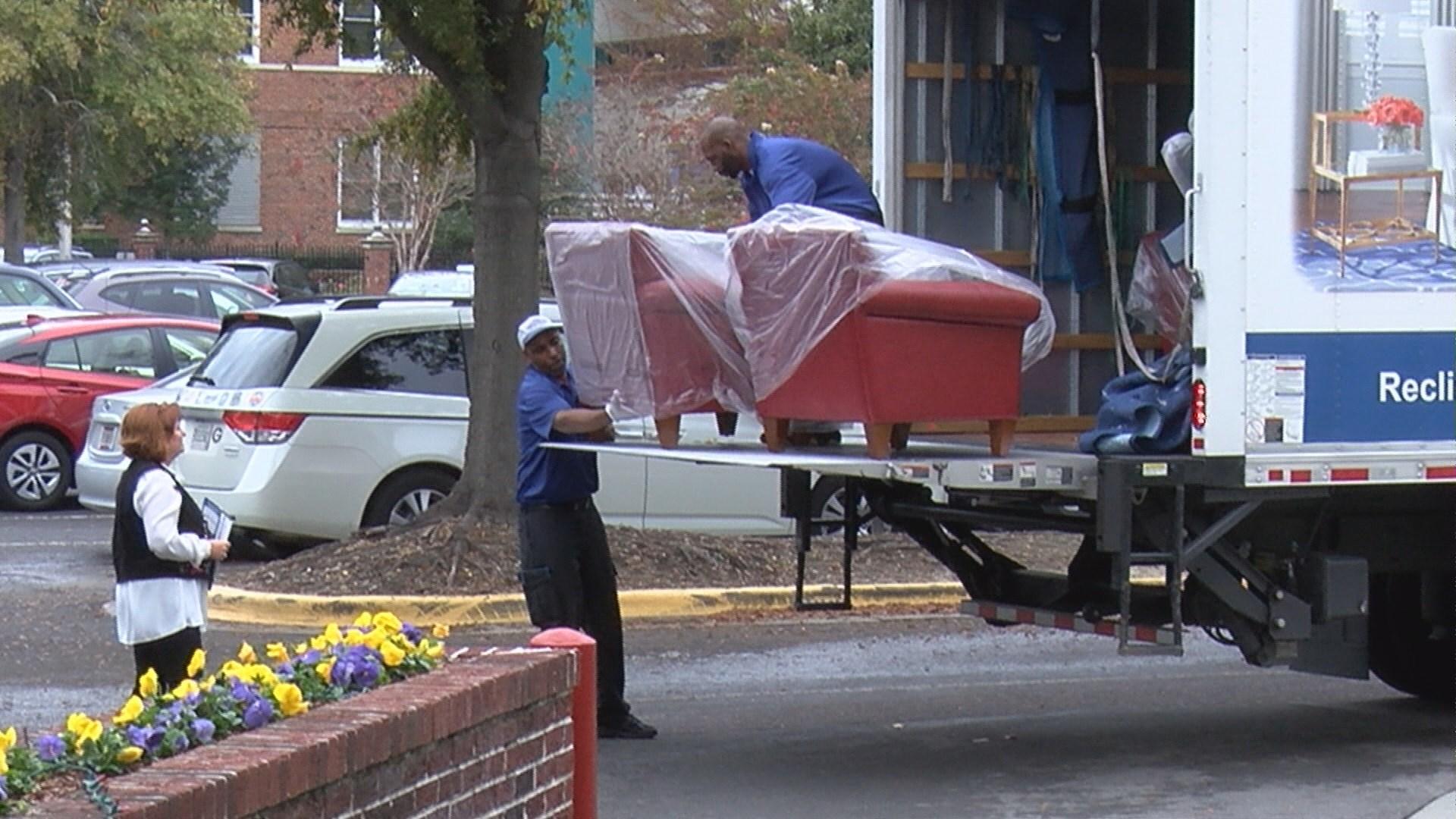 La-Z-Boy donates to Ronald McDonald House of Augusta (WFXG)