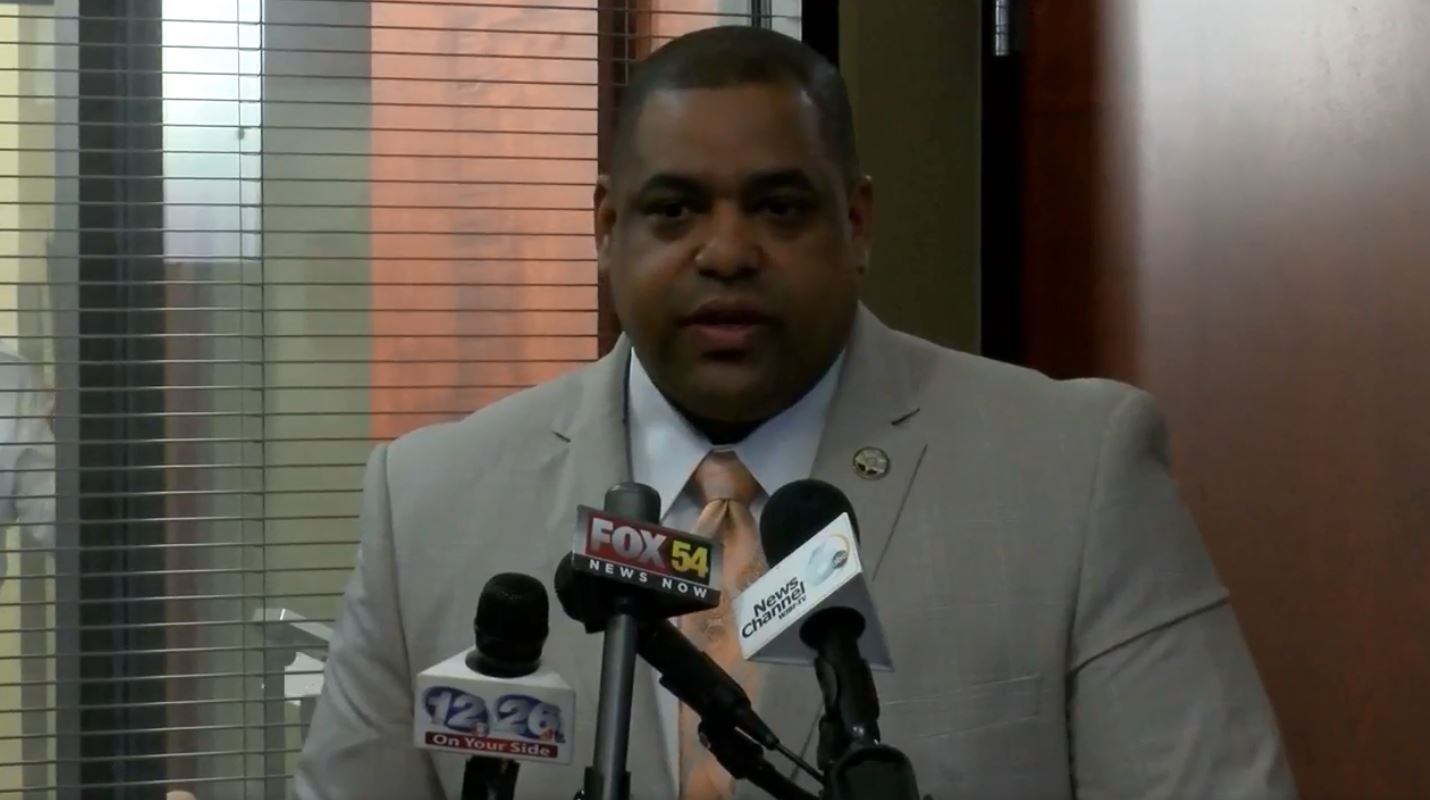 Sheriff Richard Roundtree speaks at press conference on state of Latania Carwell murder investigation 3/13/18 (WFXG)