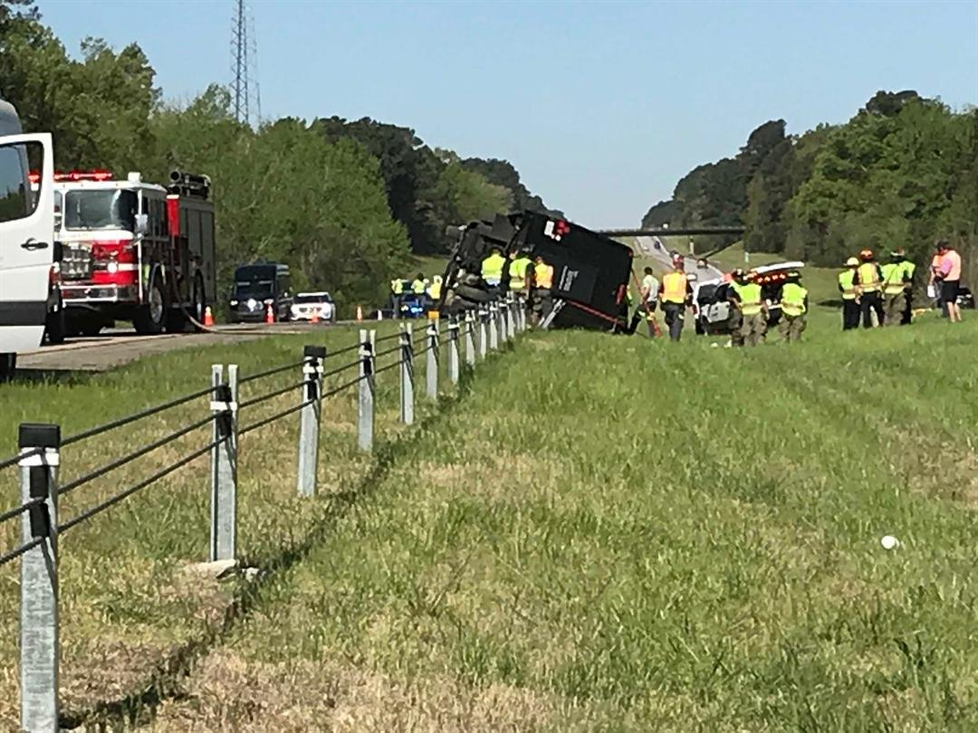 Overturned charter bus that was headed to The Masters 4/5/18 (WFXG)