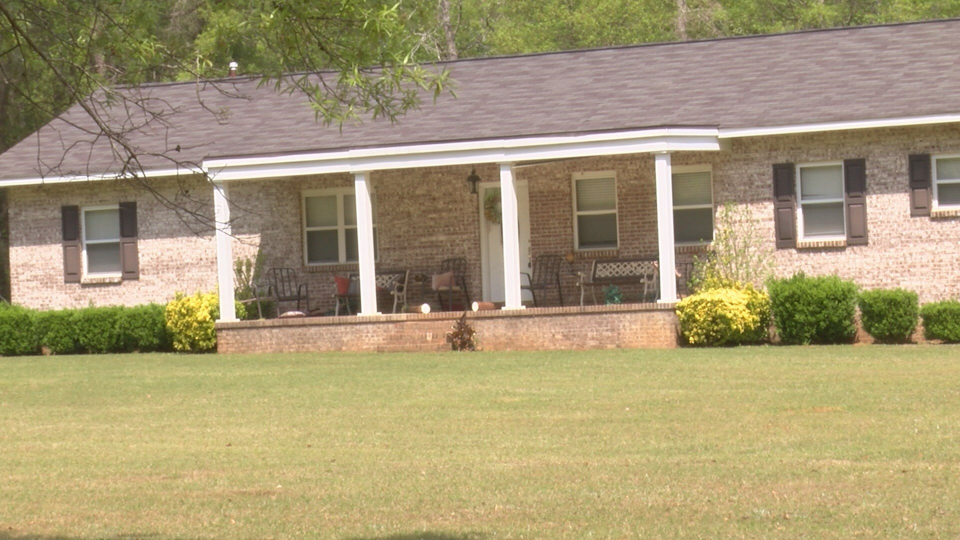 $2,000 worth of front porch delivery packages stolen from resident in Burke County  (wfxg)