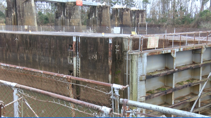 City Leaders vote to pay for study to potentially turn the Lock & Dam into a White Water Center