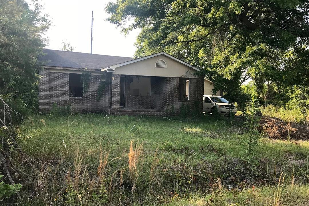 A body was found in this house today, it is at the 2000 block of Walnut Street in Richmond County (WFXG)
