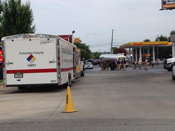 Crews work to clean up a gasoline spill at the Circle K at Washington Road and Faircloth Drive. (Source: WFXG)