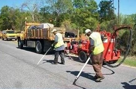 Crews work to seal minor cracks on Deans Bridge Road. (Source: Georgia Dept. of Transportation)